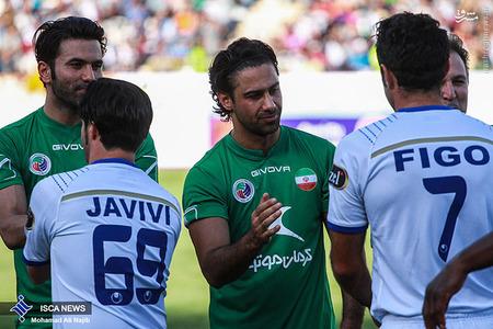 resized 1193115 901 - عکس/ دیدار تیم های فوتبال منتخب ستارگان ایران و جهان