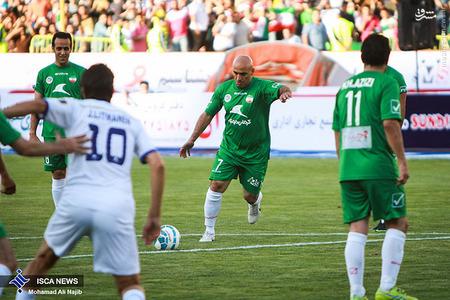 resized 1193116 258 - عکس/ دیدار تیم های فوتبال منتخب ستارگان ایران و جهان