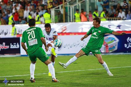resized 1193122 935 - عکس/ دیدار تیم های فوتبال منتخب ستارگان ایران و جهان