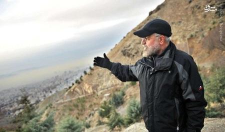 حسن روحانی رئیس جمهور ایران در حال کوهنوردی