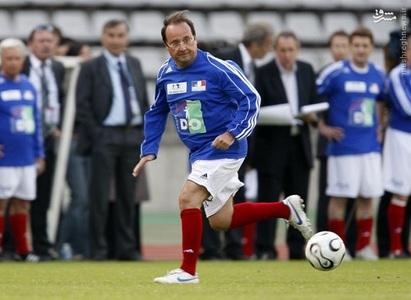 فرانسوا اولاند رئیس جمهور فرانسه در زمین فوتبال