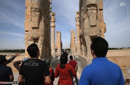 اگر دنبال تاریخ و فرهنگ هستید ایران کسالت بار خواهد بود. دروازه ملل تخت جمشید؛ ستون عظیم ۲۵۰۰ ساله در هر موزه محلی یکی از اینها پیدا میشود!