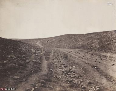 گلوله های توپ پس از پایان جنگ روی زمین ریخته شده است. دره
