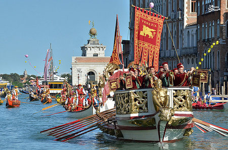 جشنواره سنتی در شهر «ونیز» ایتالیا