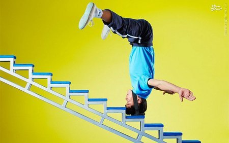 لی لانگ لانگ؛ با سر از پله بالا میرود