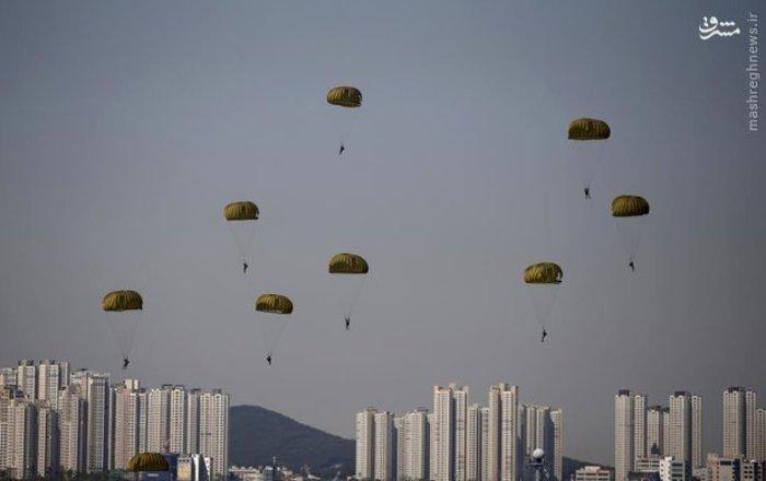 فرود چتربازان نیروی دریایی کره جنوبی در «اینچئون»