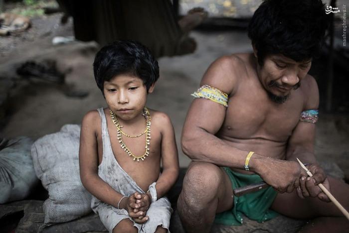 آخرین خانواده از قبیلهای در حال انقراض + عکس