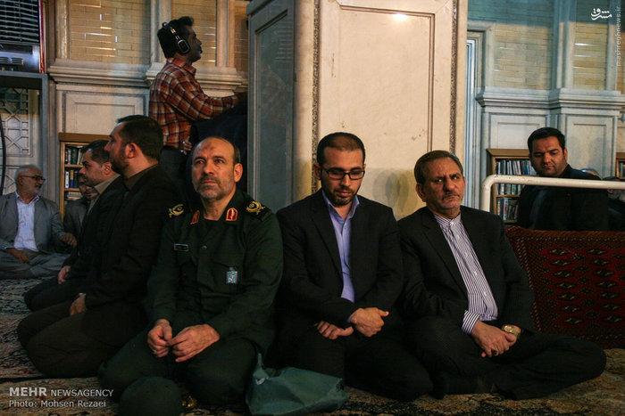 تصاویر/ مجلس ترحیم پدر سردار اشتری با حضور دکتر احمدی نژاد