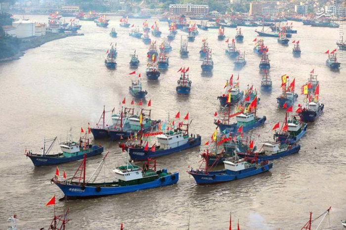 قایق های ماهیگیری بعد از اتمام ممنوعیت ماهیگیری در چین (Imaginechina)