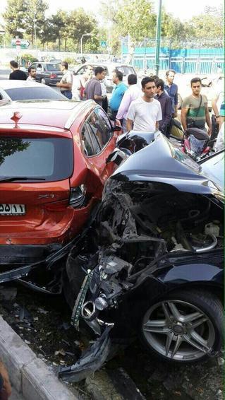 تصادف خودرو لوکس تصادف خودرو گرانقیمت تصادف بی ام و تصادف بنز تصادف اخبار تصادف