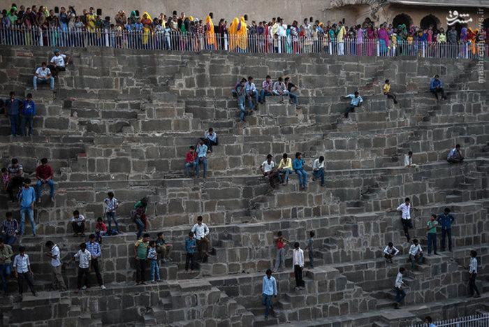 پله های تاریخی در روستای «ابهنری» راجستان هند