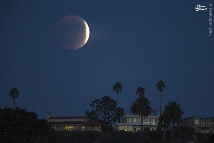 تصویر ماه گرفتگی در کالیفرنیا آمریکا