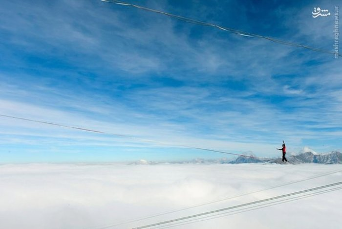 کوهنوردی در ارتفاع ۲۰۰۰ متری سطح زمین در «سوئیس»