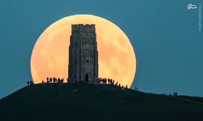 ماه گرفتگی در سراسر جهان