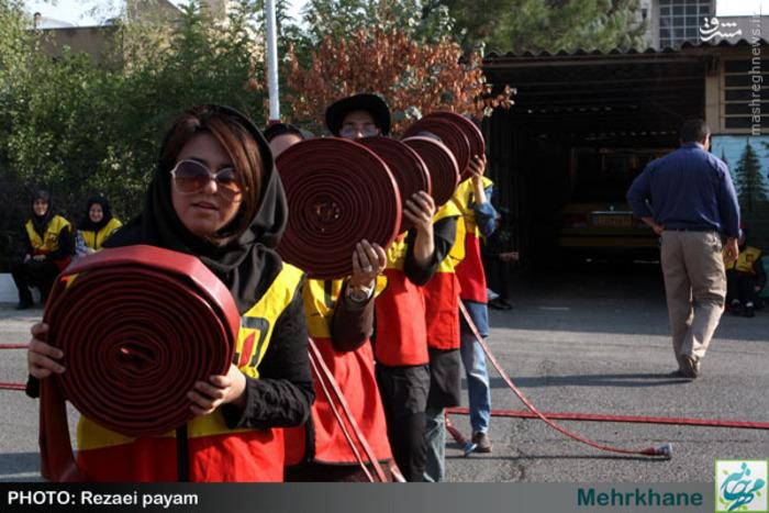 عکس/ یک روز با زنان آتشنشان