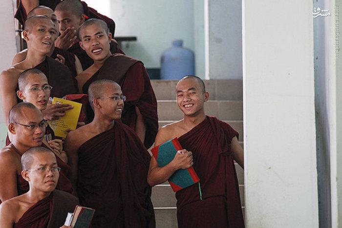 شرکت بوداییان در کنفرانس خبری دفتر مرکزی خود در میانمار