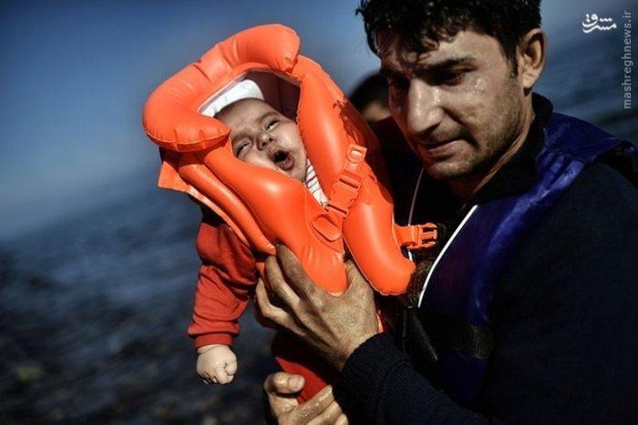 مهاجرت مردم جنگ زده به جزایر یونان