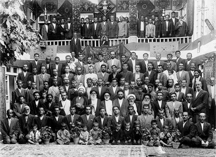 جامعه حسینی قزوین- استان قزوین - فرستنده : آقای درافشانی  - رتبه اول دومین سوگواره عاشورایی عکس و پوستر هیات