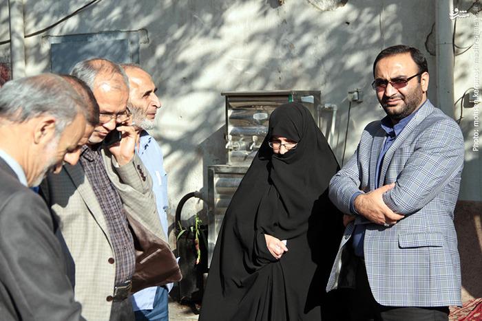 حضور فرزند و همسر شهید همت در مراسم وداع با شهید حسین همدانی