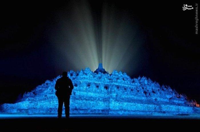 چراغانی معبد تاریخی اندونزی به مناسبت هفتادمین سالگرد تاسیس سازمان ملل متحد