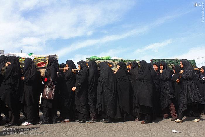 مراسم نمادین خاکسپاری شهدای کربلا در قزوین