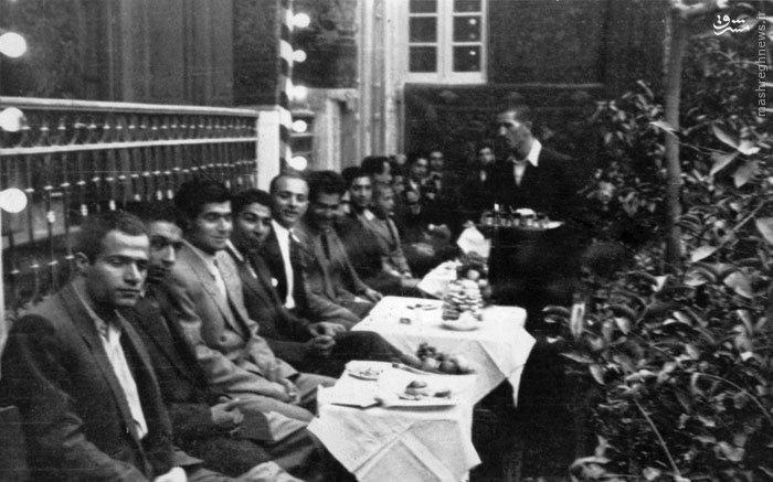 شهید سید حسین امامی در مجلس عروسی دوستش امیر عبدالله کرباسچیان