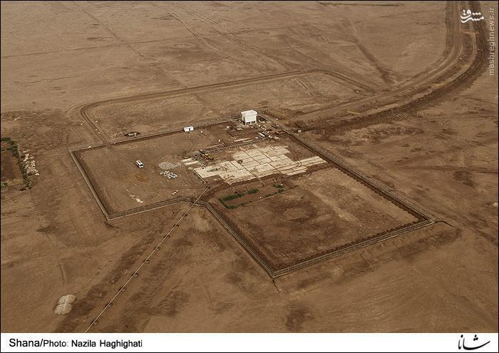 چاه های نفت در طول مسیر هوایی در منطقه عمومی غرب کارون