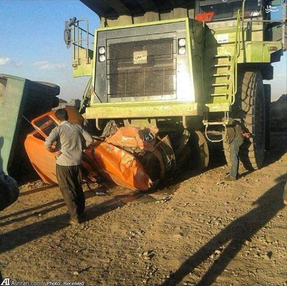 له شدن کامیون در تصادفی نادر در کرمان
