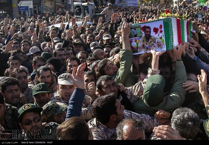تشییع پیکر شهید مدافع حرم در کرمانشاه