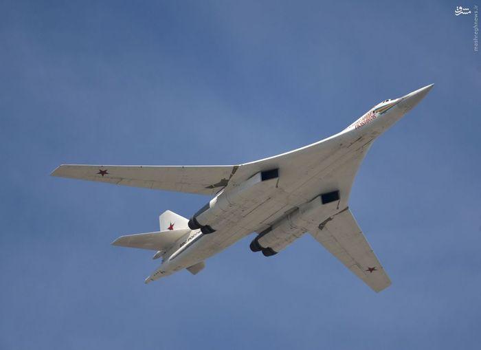 هواپیما استراتژیک بمب افکن و موشک انداز توپولف 160 به نام