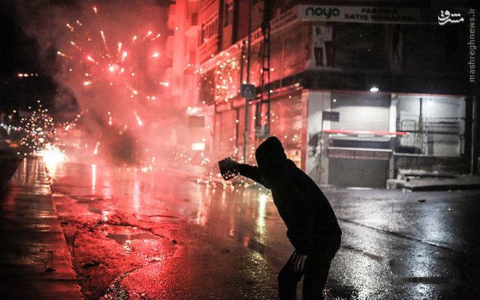 درگیری مردم با پلیس ضد شورش در استانبول ترکیه