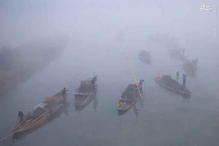 قایقرانان سنتی در کشمیر هند
