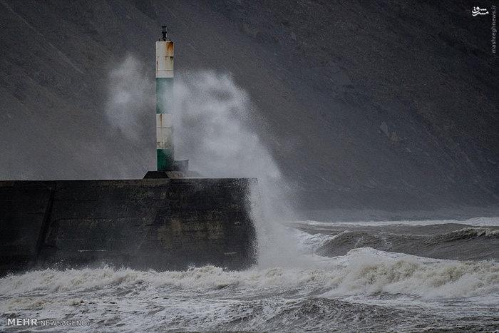 طوفان دزموند در انگلیس