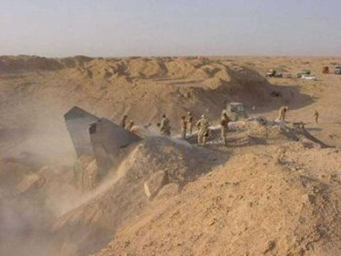 جنگنده جت در عراق زیر خاک ها پیدا شد