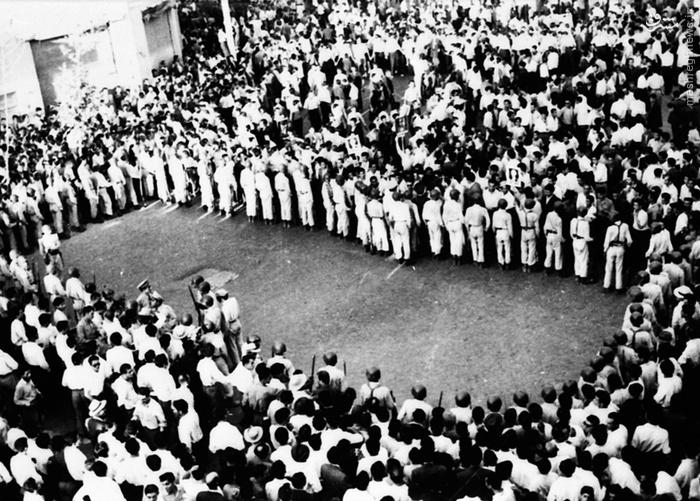 گردهمایی بزرگی که در حمایت از همهپرسی برگزار شد (سوم اوت 1953) (12 مرداد 1332)