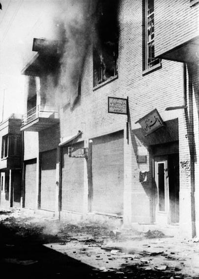 آتش زدن ساختمانهای روزنامههای طرفدار دولت مصدق (19 اوت 1953، ساعت 10:30 صبح) (28 مرداد 1332)