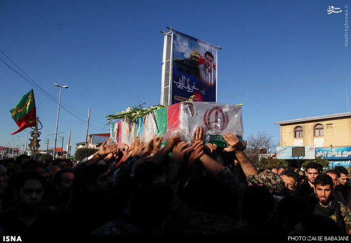 عکس/ تشییع شهید مدافع حرم در محمودآباد