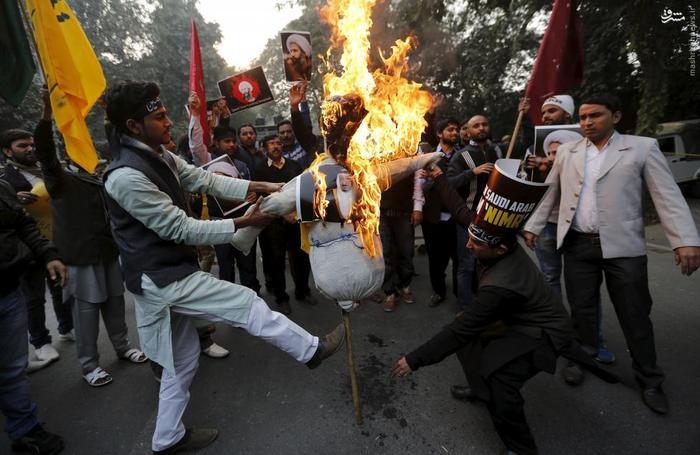 به آتش کشیدن ماکت و تصویر پادشاه عربستان در دهلی نو