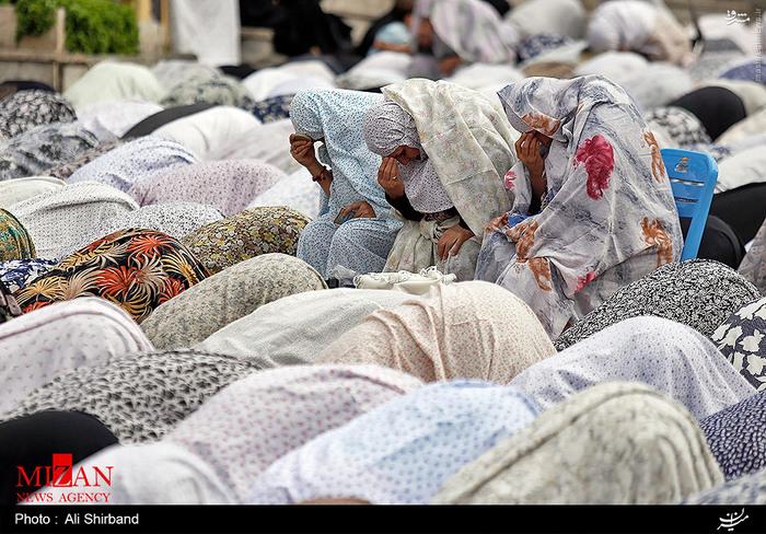 نماز عید سعید فطر در میدان کاج تهران<br />