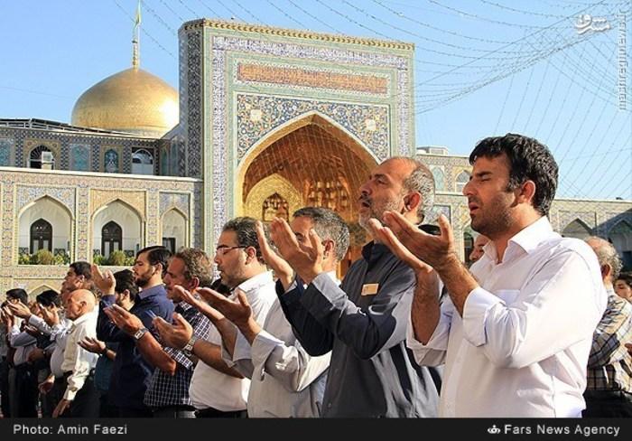 نماز عید فطر در حرم رضوی