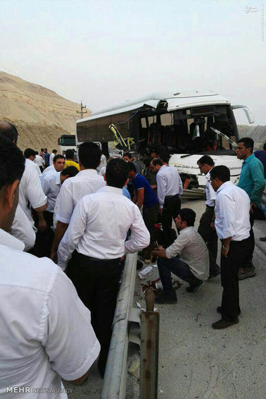 17 مصدوم در حادثه اتوبوس کارکنان پارس جنوبی/ ضربه مغزی یک نفر از مصدومین + عکس