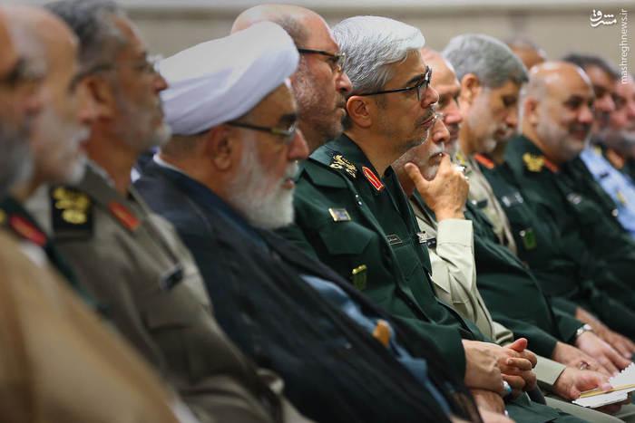 بازدید رهبر معظم انقلاب از نمایشگاه دستاوردهای وزارت دفاع + تصاویر
