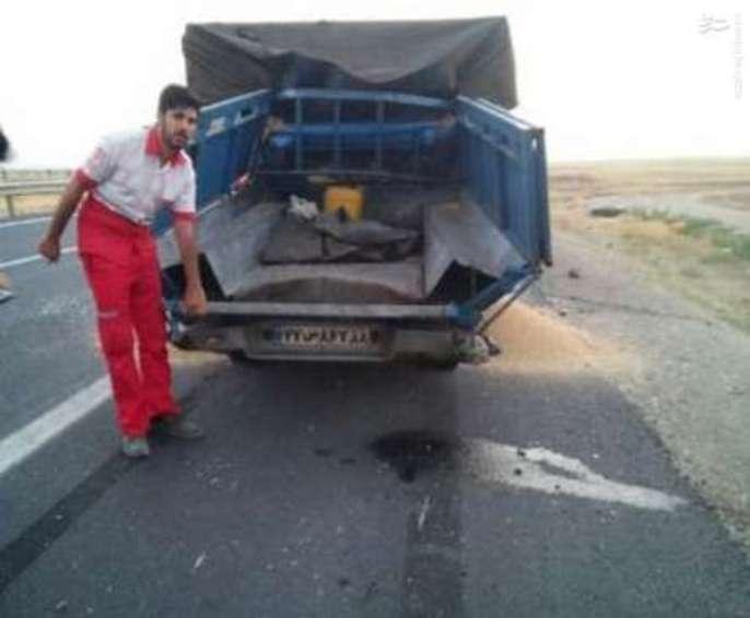 تصادف مرگبار نیسان با کامیون در جاده همدان - ساوه,تصادف نیسان در آزاد راه همدان ساوه,تصادف مرگبار نیسان